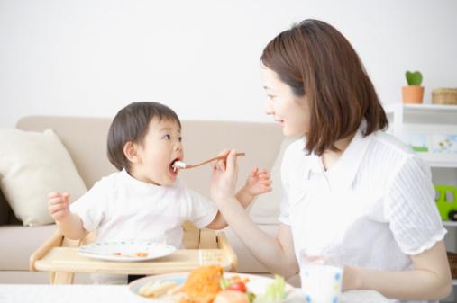 Khắc phục tình trạng biếng ăn cho bé 1