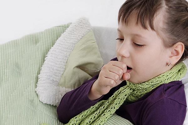 Trẻ em bị viêm phế quản 1