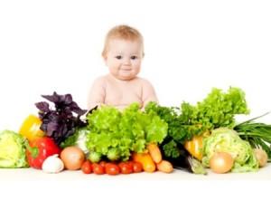4. Cho bé ăn nhiều rau và hoa quả 1