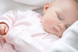 Trẻ sơ sinh bị nghẹt mũi phải làm sao? 1